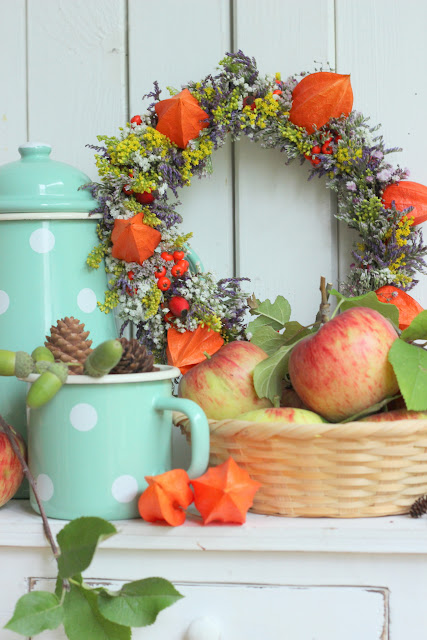 pfefferminzgruen Herbstgefhle  Blumenkranz