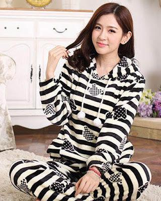 pijama de rayas blanco y negro
