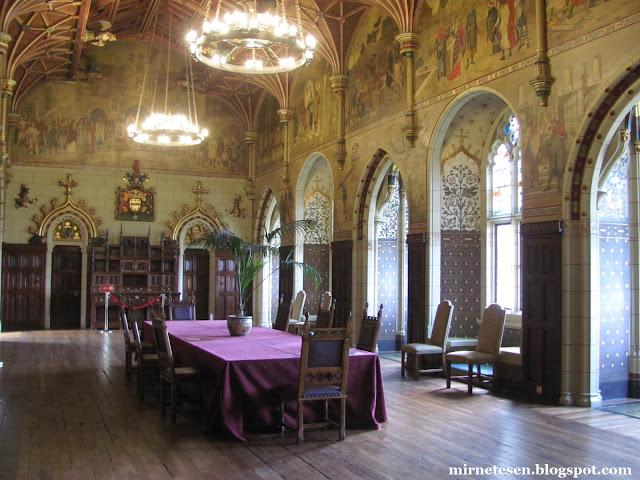 Кардиффский замок - один красивейших в Великобритании