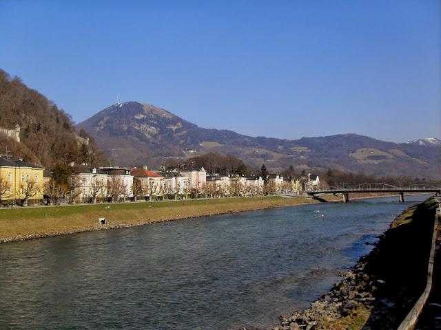 paseo por el río
