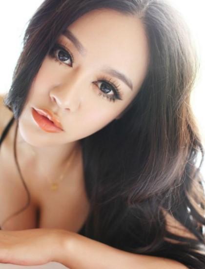 Cerita Sex Sensasi Hot Saat Pelajaran Seks Dengan Tante Linda
