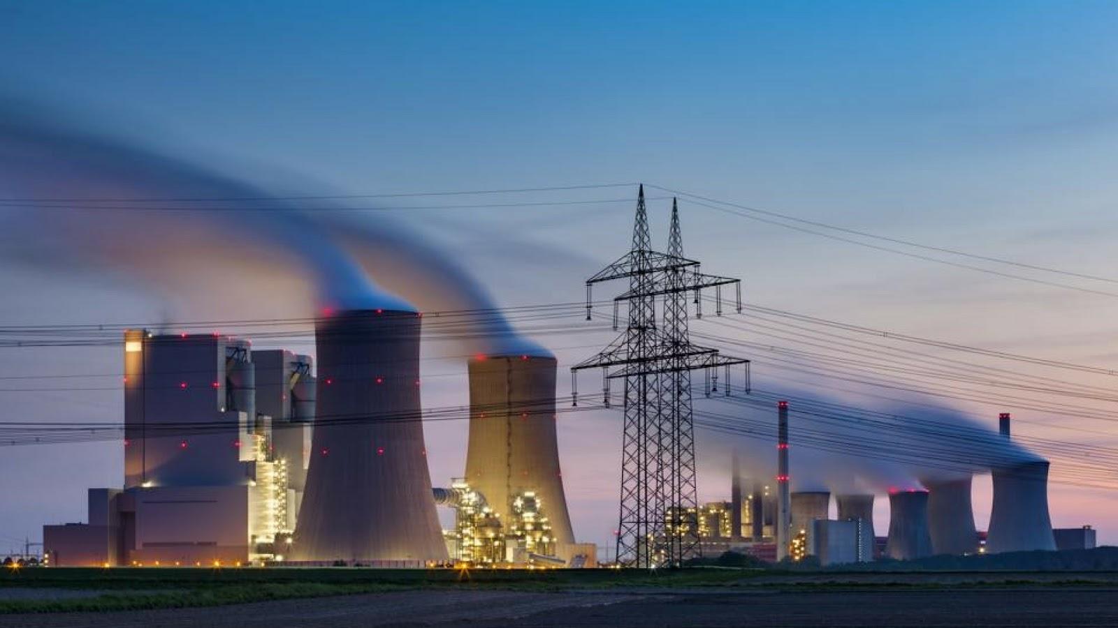 ¿De dónde proviene tu electricidad y cómo llega a tu casa o negocio a través de plantas eléctricas?