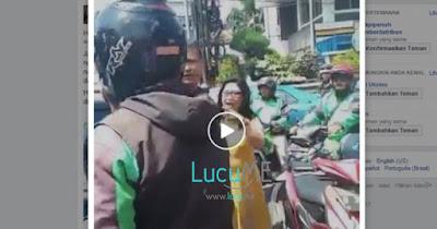 Wanita yang Ngaku Pengacara Ini Ngamuk di Jalan Bikin Heboh Netizen