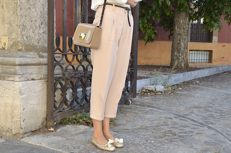 beige-white-gold-look-outfit-ootd-trends-gallery-style-fashion-chic