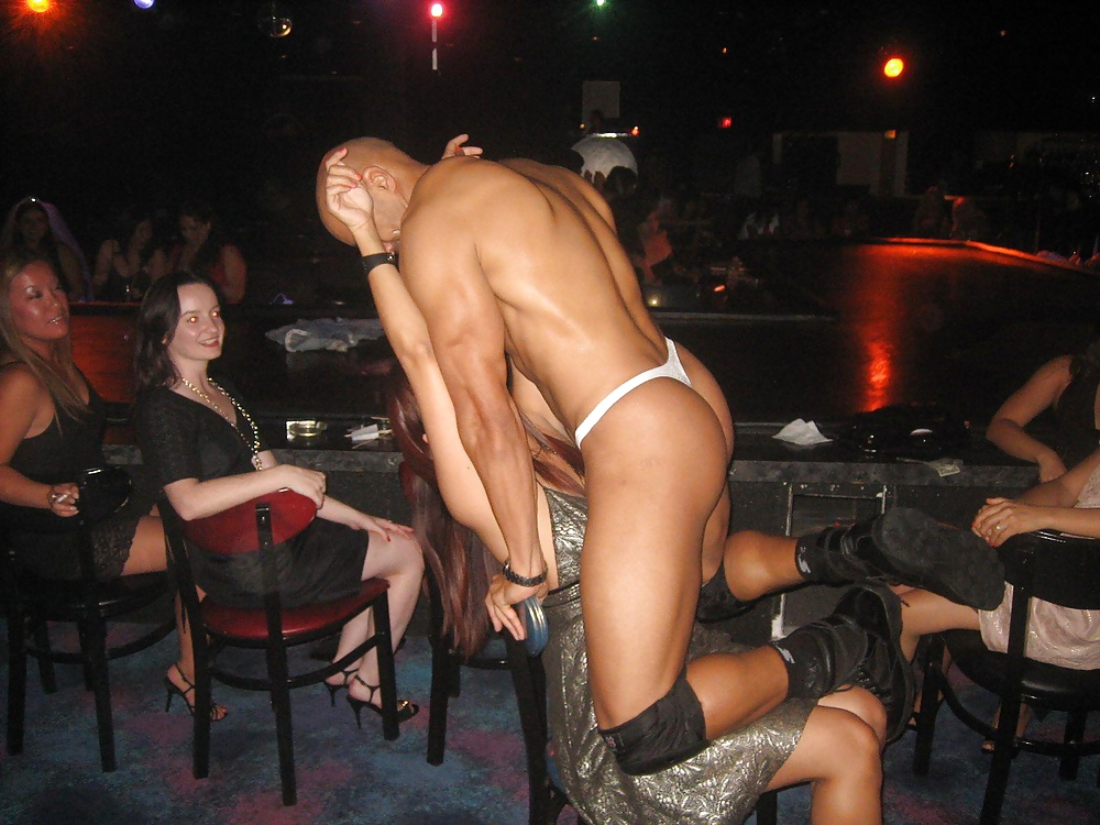 females-with-male-strippers-phat-pussy-black-girls