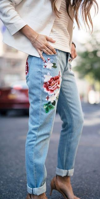 summer fashion trends: printed jeans