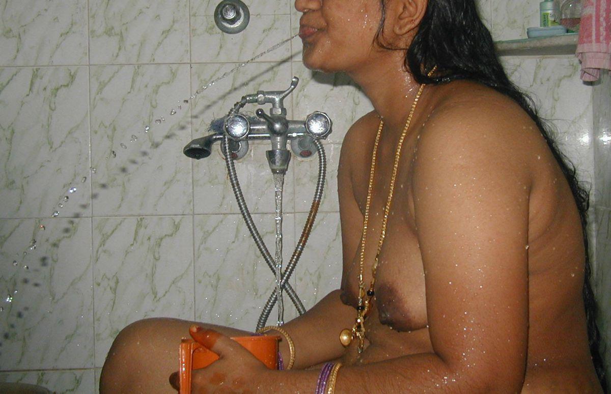 indian neighbour bathing