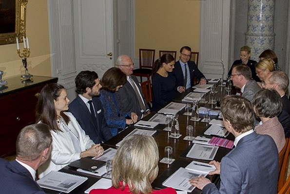 The meeting was attended by King Gustaf, Queen Silvia, Crown Princess Victoria, Prince Daniel, Princess Sofia Hellqvist, Prince Carl Philip and Mikael Damberg, Oscar Stenstrom, Eva Walder and Karin Olofsdotter