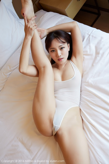 Hot girls Beauty Asian Girls sexy body model Mandy Mo Zi
