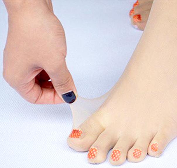 Medias con uñas pintadas trend alert!