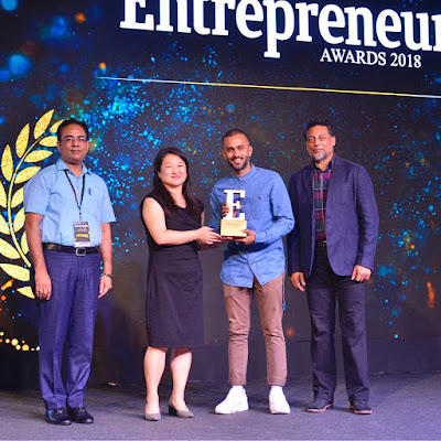 Anand Ahuja receiving Award