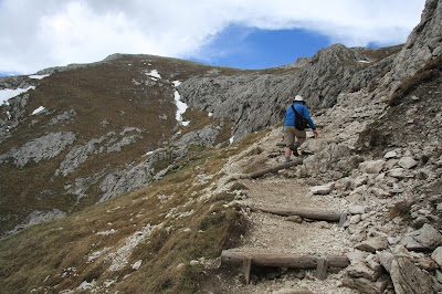 The start of the path to the peak of Sass de Putia.