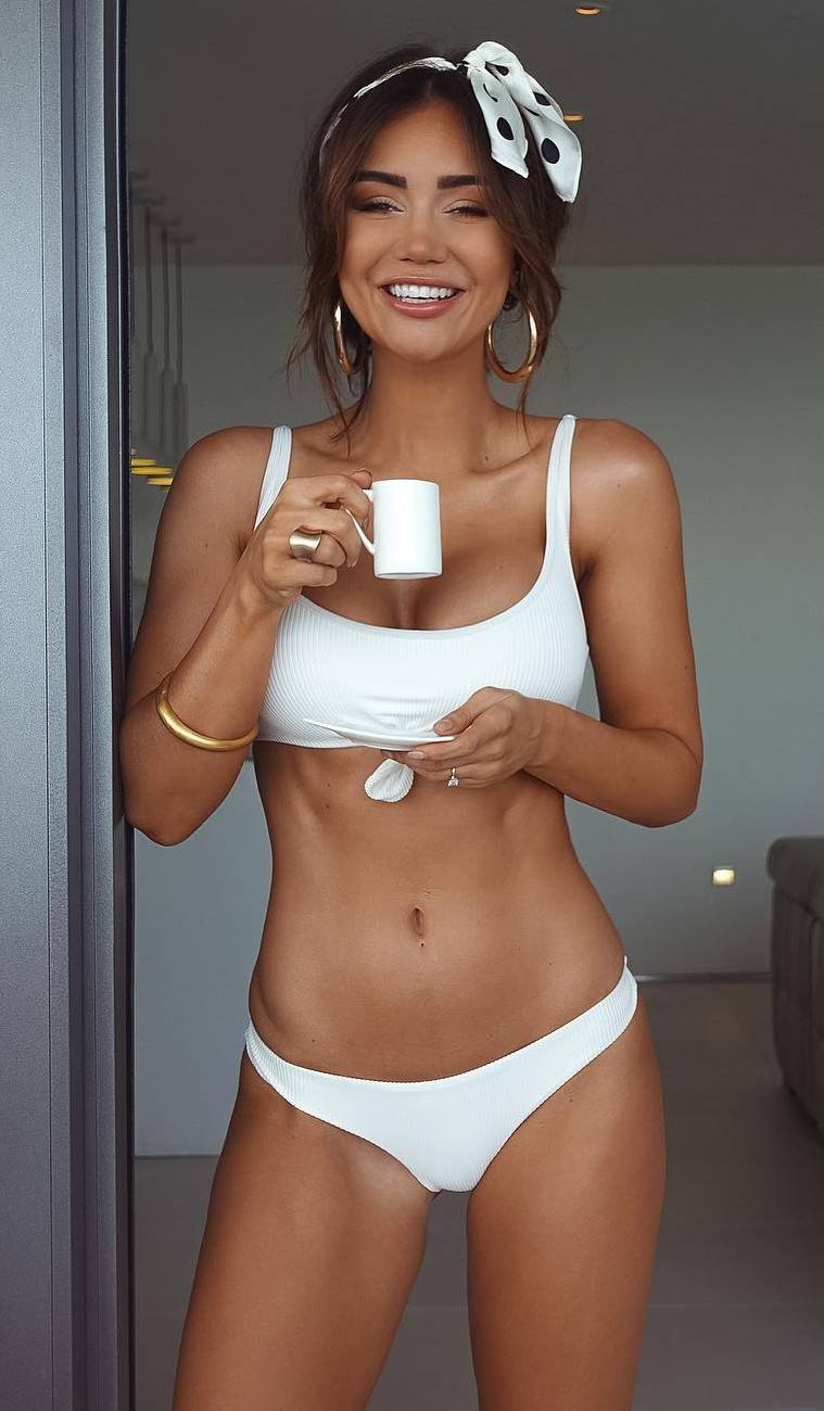 cute white bikini that you need for this summer