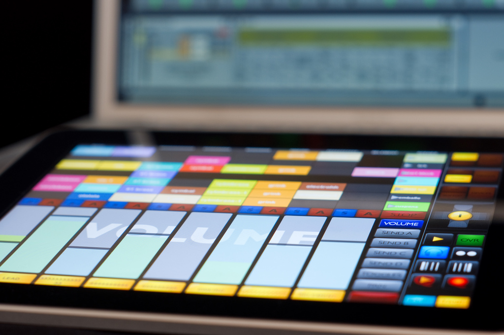 touchosc templates ableton - unison out of overtones djing with touchable