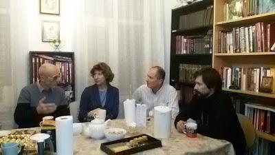 В помещении Культурно-духовного центра соотечественников при Свято-Николаевском приходе в Рейкьявике состоялась встреча с В.А. Суровцевым