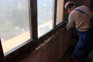 Cleaning up the windowledge