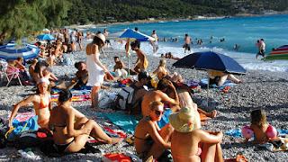 Προσοχή: Αυτές είναι οι 75 ακατάλληλες παραλίες της Αττικής [Λίστα]
