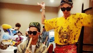 Tae Yang dan G Dragon Big Bang dalam Batik