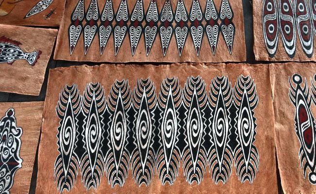 www.xvlor.com Khombow is bark painting by Asei Island people on Lake Sentani