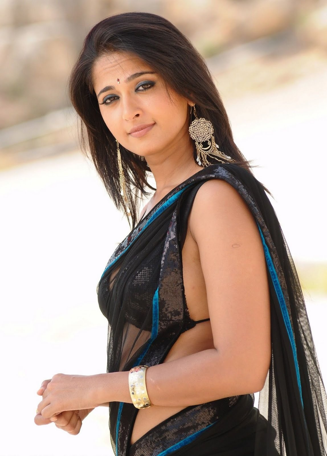 Anushka Shetty - Exclusive Saree Images  Facts N Frames -8204