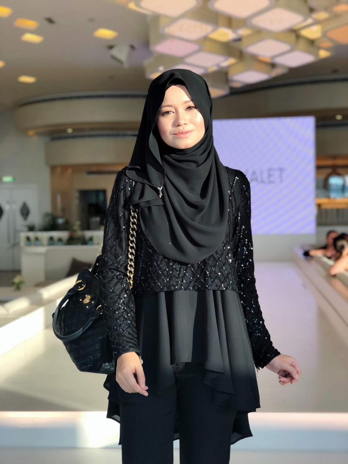 Hijab Tutorial 5 : Video : On-The-Go Hijab Style - R Nadia Sabrina