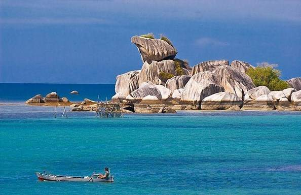 Pantai Tanjung Kalayang Belitung, destinasi belitung, wisata belitung, pulau belitung
