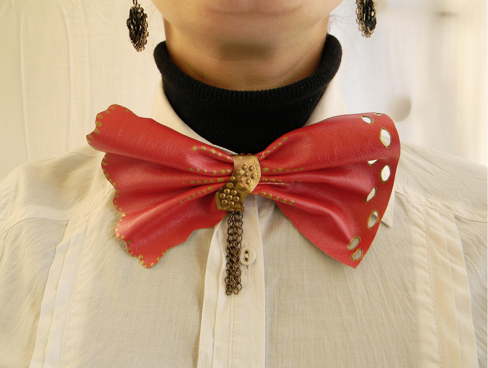 """Shimmer Red "" Lady Bow Tie"