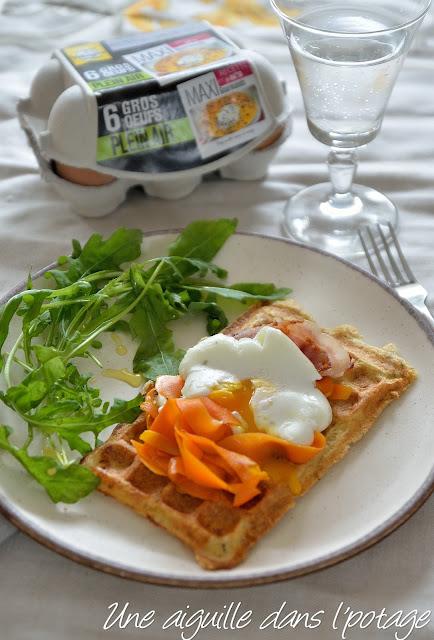 Gaufre de pain perdu, tagliatelles de carotte et oeuf mollet
