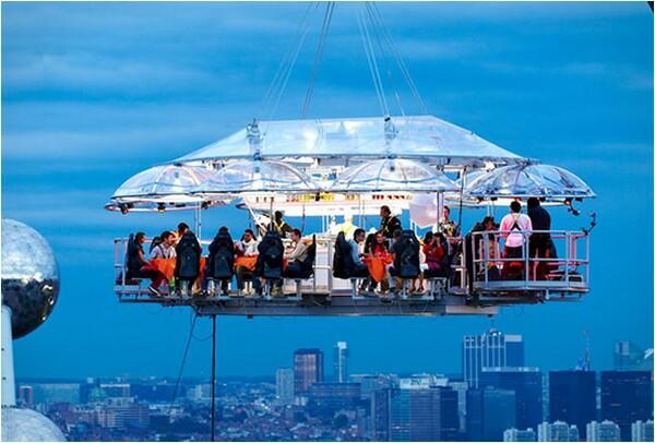 dinner in the sky hanging restaurant