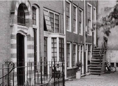 Begijnhof 35 huis, achteraan