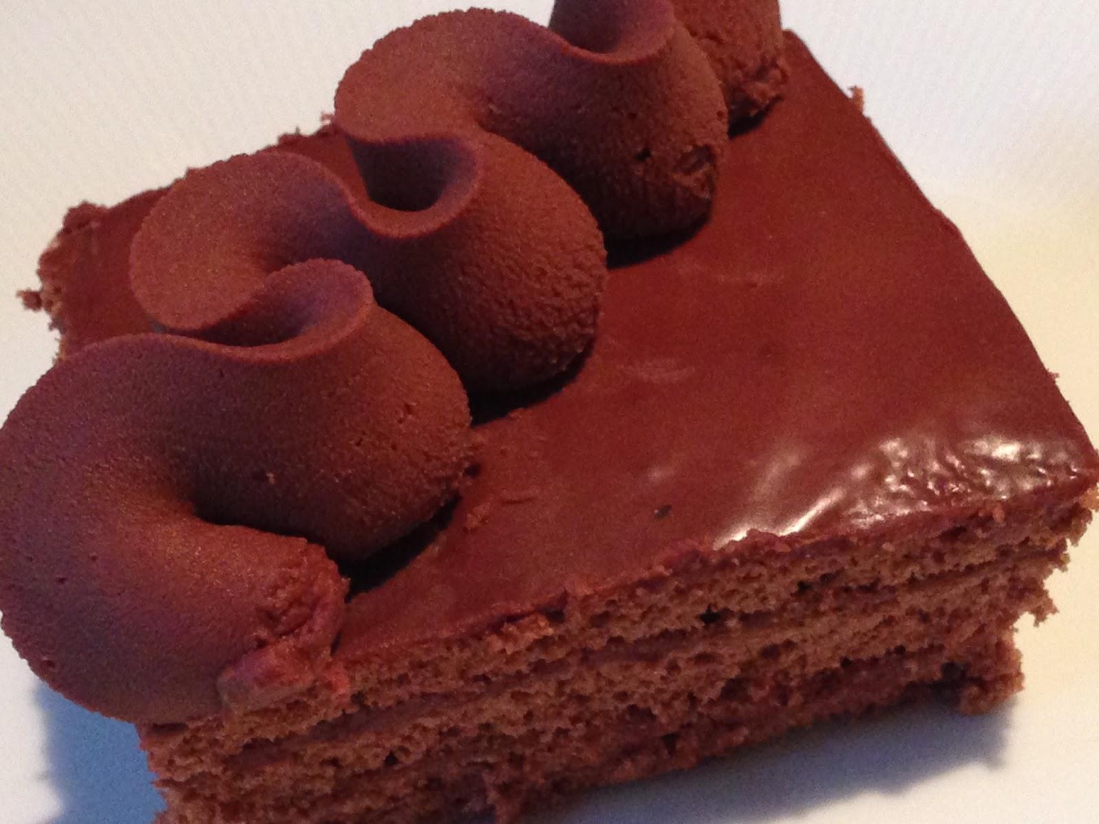 Torte Da Credenza Al Cioccolato : Torta al cioccolato farcita con ganache fondente