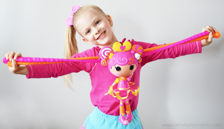 Lalaloopsy Stretchy Hair Doll Review at artsyfartsymama.com #Lalaloopsy #StretchAcrossUSA
