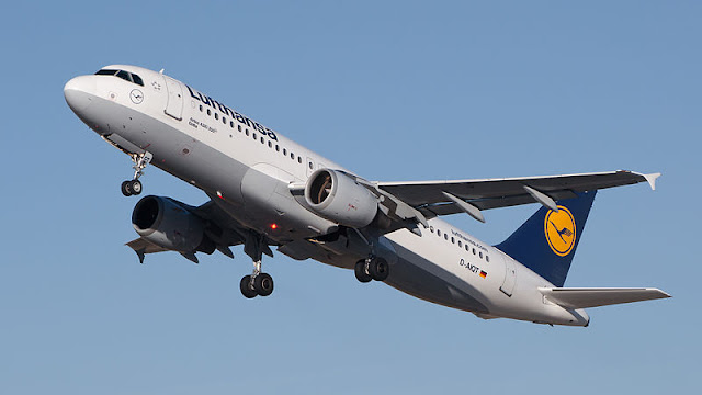 Gambar Pesawat Airbus A320 04