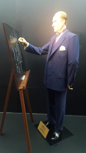 Atatürk ve Harf Devrimi/İnkılabı