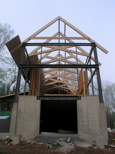 Glulam Trusses For A Residence