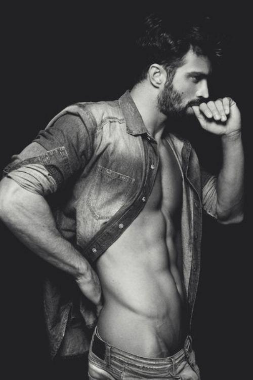 Gay Nude Modeling 70