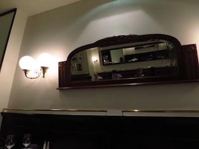 Miroir miroir sur le mur...