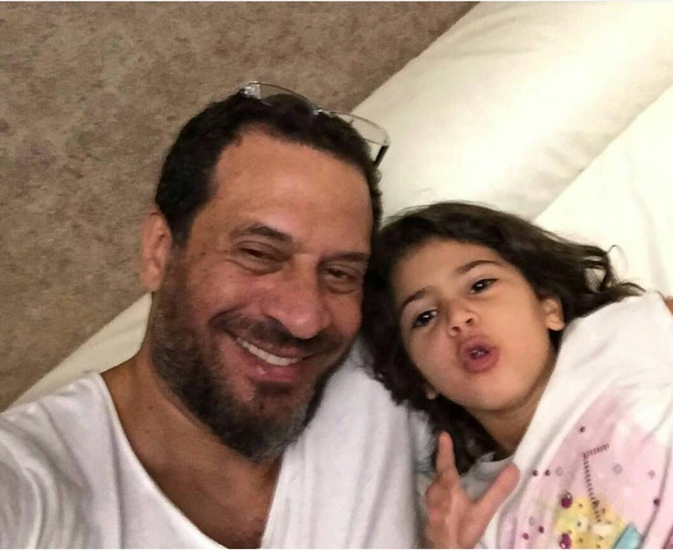 بالصور ماجد المصري يحتفل بنجاح ابنته
