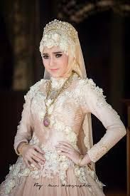 Model gaun pengantin terindah di dunia terbaru