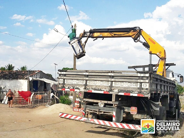 Bairros e povoados de Delmiro Gouveia recebem melhorias na iluminação pública