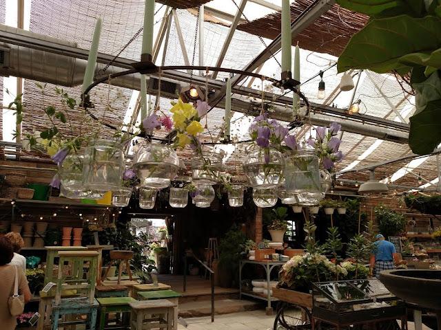 vase chandelier