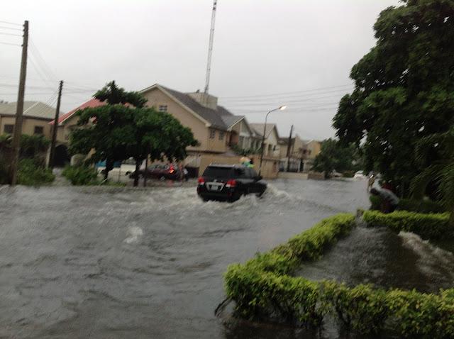 PHOTOS: Flood 'takes over' Lekki phase 1