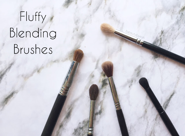 The 3 Essential Eyeshadow Brushes That You Need - fluffy blending brushes
