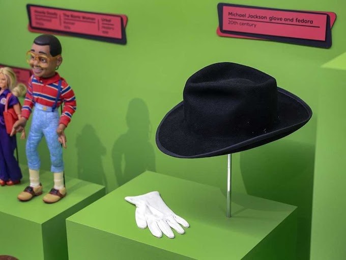 Michael Jackson ITEMS removed FROM INDIANAPOLIS CHILDREN'S MUSEUM