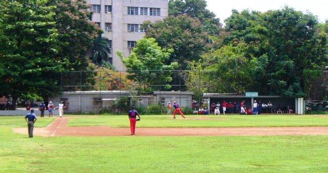 En el estadio 50 Aniversario (conocido popularmente como DESA) Plaza de la Revolución dejó al campo a los Juveniles Foto: Daniel de Malas