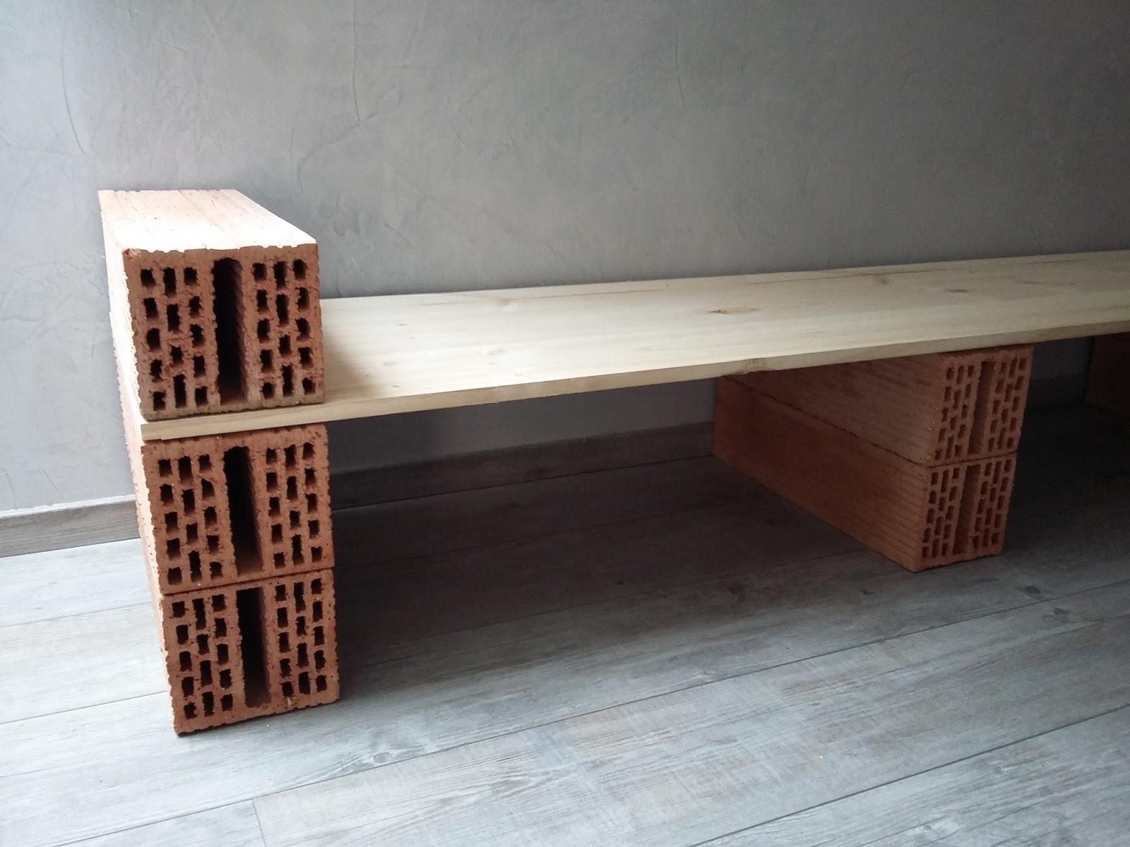 bricolage de l 39 id e la r alisation etag re au look. Black Bedroom Furniture Sets. Home Design Ideas