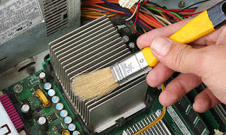 Cara tepat membersihkan dan merawat komputer