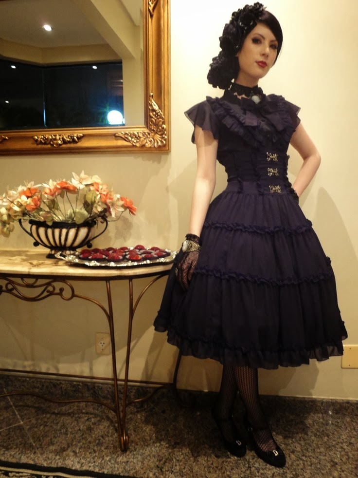 DevilInspired Gothic Dresses: Fit Yourself Well In Gothic