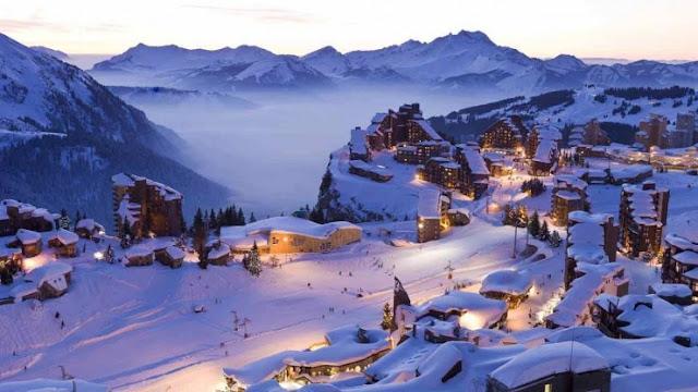 Bersenang-senang di sebuah resor Ski