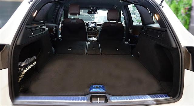 Khoang hành lý Mercedes GLC 250 4MATIC 2019 thiết kế rộng rãi, thoải mái